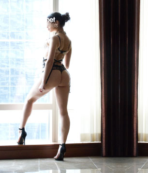 Talia a courtesan escort by Cachet Ladies