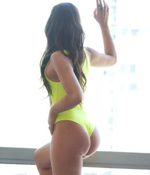 Toronto Escorts Logan