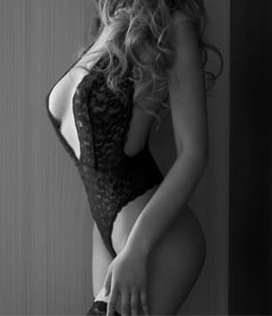 Elle Cachet Ladies Escort