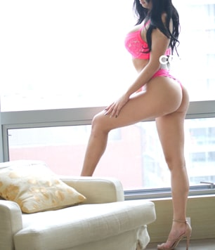 Valentina-Feature-Escort-Thumbnail