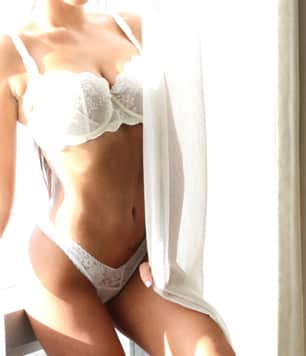 Aria Cachet Ladies Escort