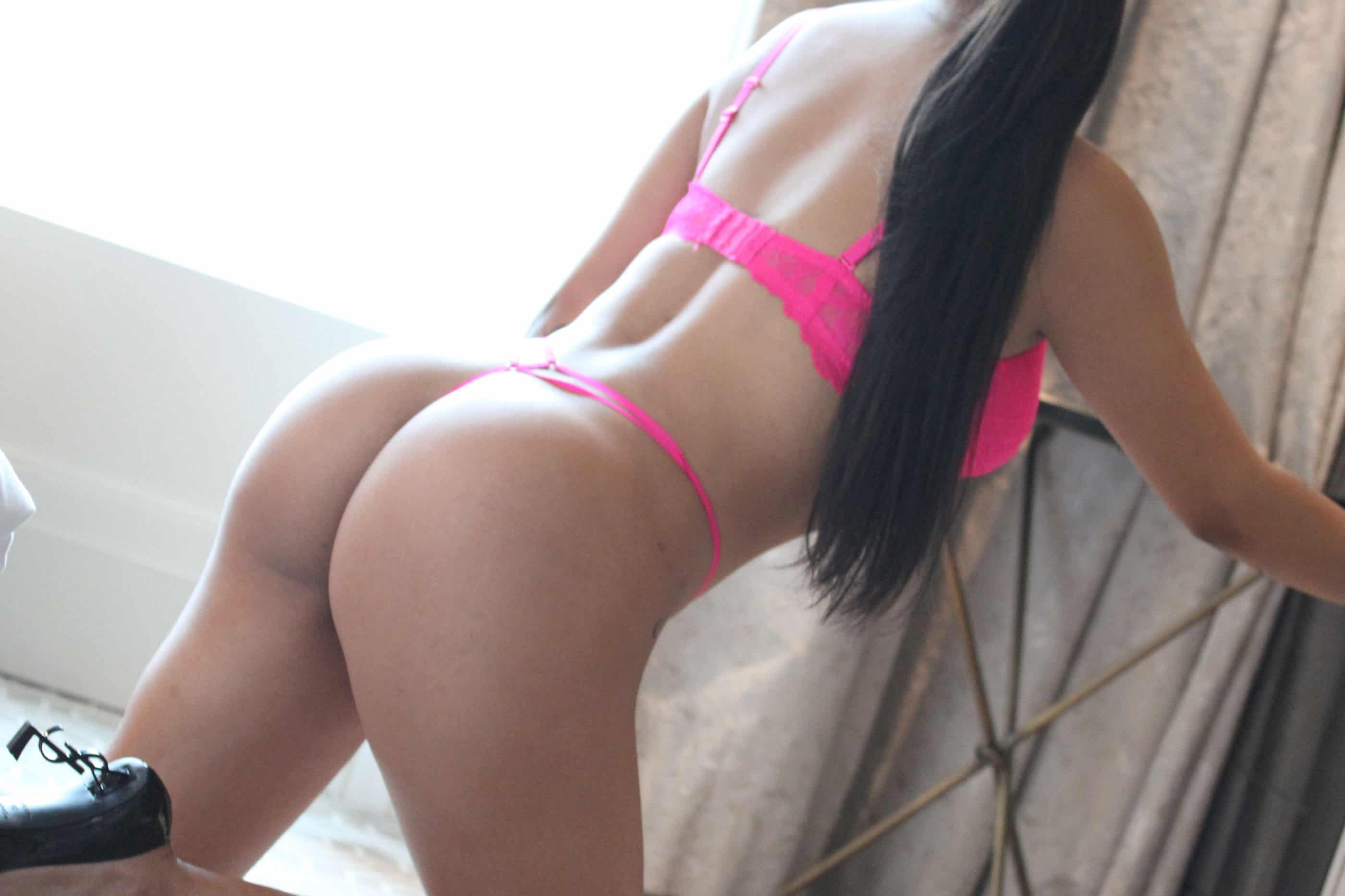 Mia Toronto escorts photo 9